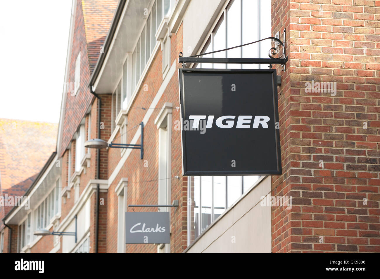 enlazar falta leninismo  Sign for Tiger and Clarks on a busy street in Whitefriars retail Stock  Photo - Alamy