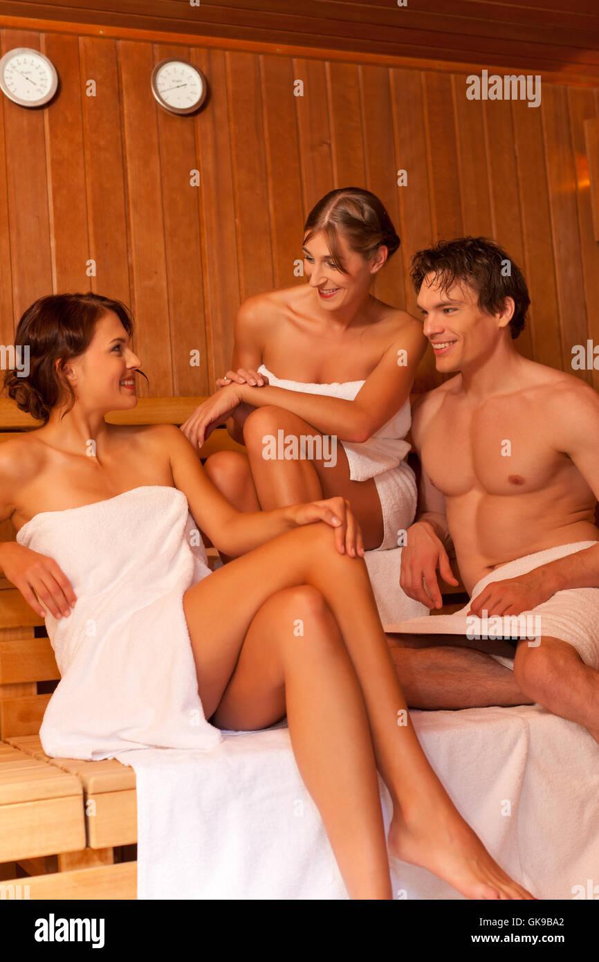 Показать домашний секс русских широкий формат бес в бани