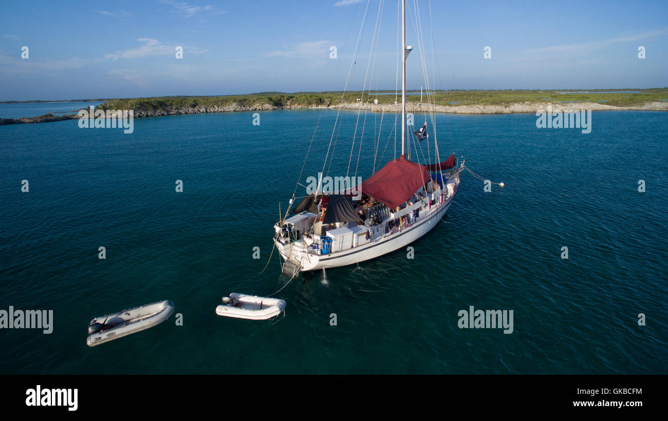 Aerial of a sailboat off the coast of Shroud Cay, Exuma Cays, Bahamas Islands - Stock Image