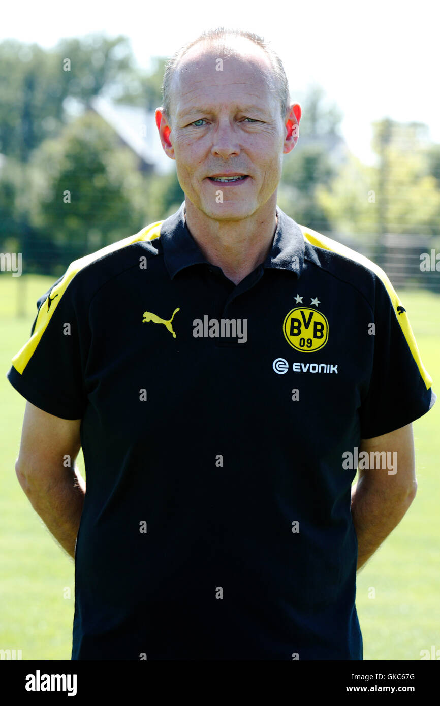 football, Bundesliga, 2016/2017, Borussia Dortmund, press photo shooting, portrait, kitman Frank Graefen - Stock Image