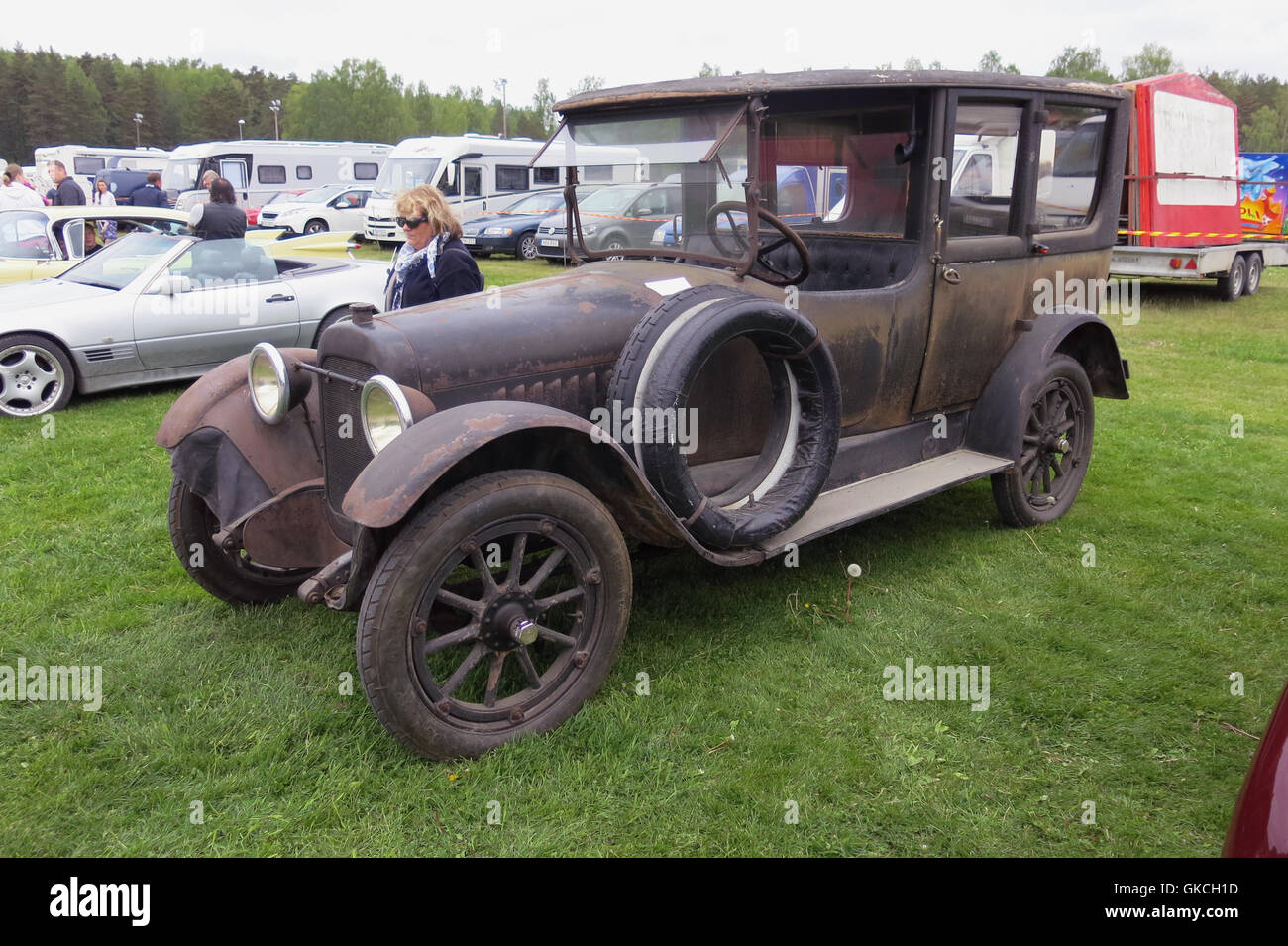 CHALMERS US car brand in 1917,later became the current Chrysler,the paint is worn original color - Stock Image