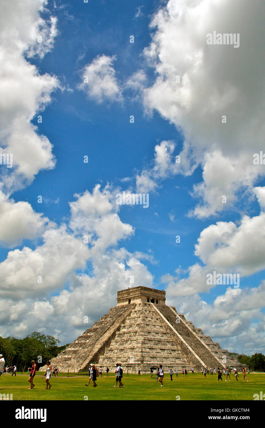 Entire Angled Facade of Chichen Itza with Clear Blue Sky, Tinúm Municipality, Yucatán State, Mexico. - Stock Image