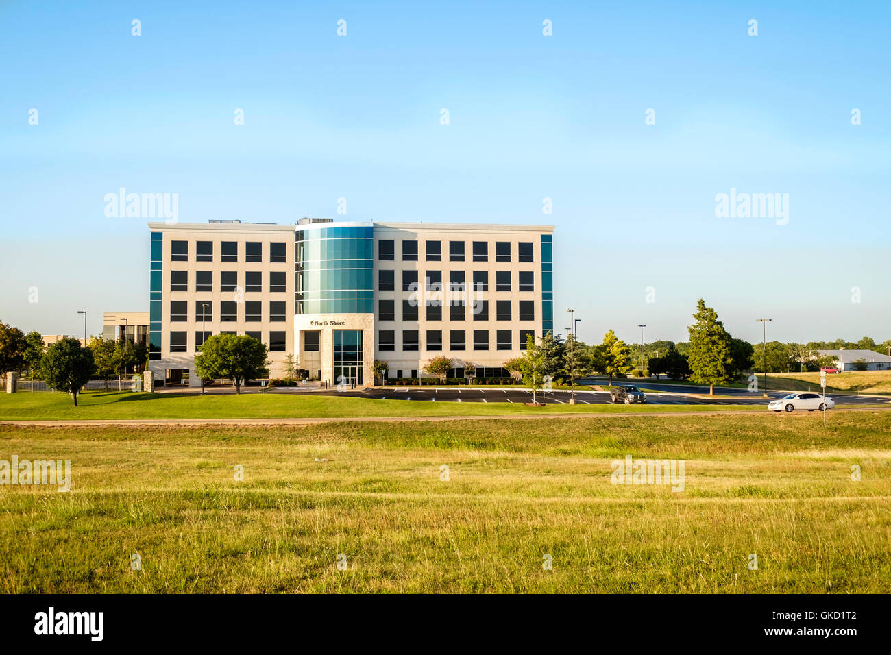 The North Shore office building at 10900 Hefner Pointe Dr. in north Oklahoma City, Oklahoma, USA. - Stock Image