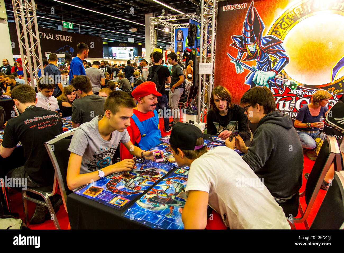 Gamescom 2016, computer games fair in Cologne, Germany,  analog gaming of an computer game, - Stock Image