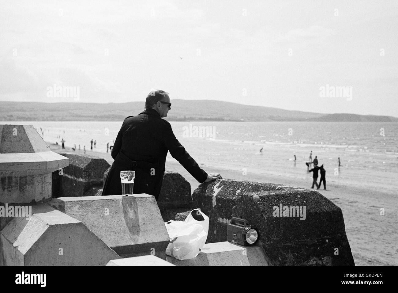 A man looks out to Sea. Ayr, 1989 appros - Stock Image