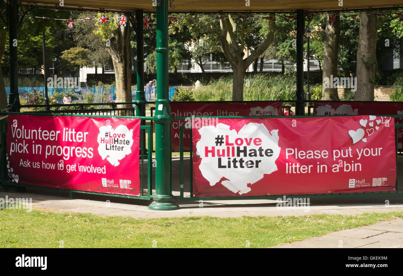 Love Hull hate litter banner Kingston upon Hull, Yorkshire, England, UK - Stock Image