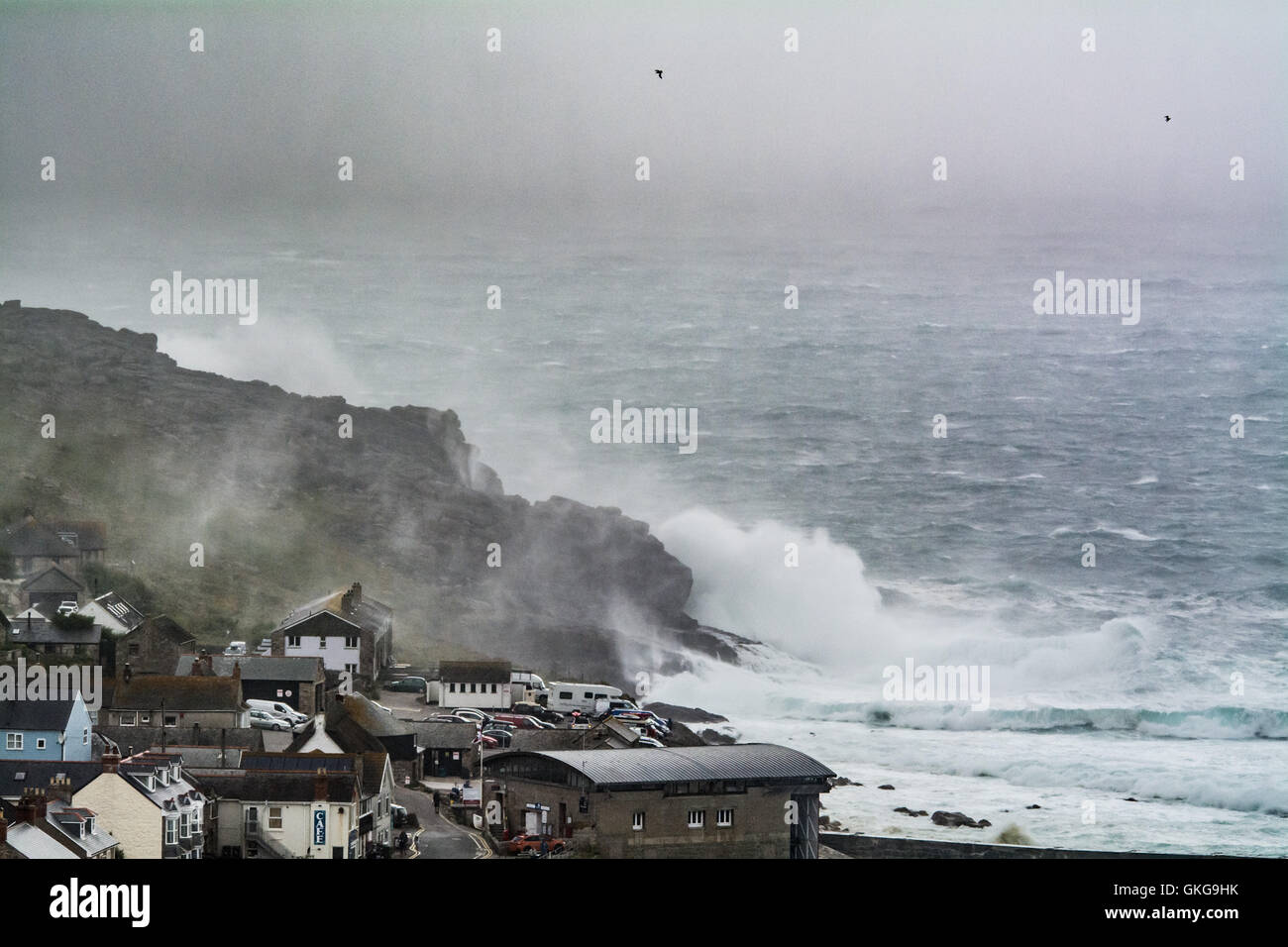 Sennen, Cornwall, UK. 20th August 2016. UK Weather. Strong winds and heavy showers continue to hit the north Cornwall Stock Photo