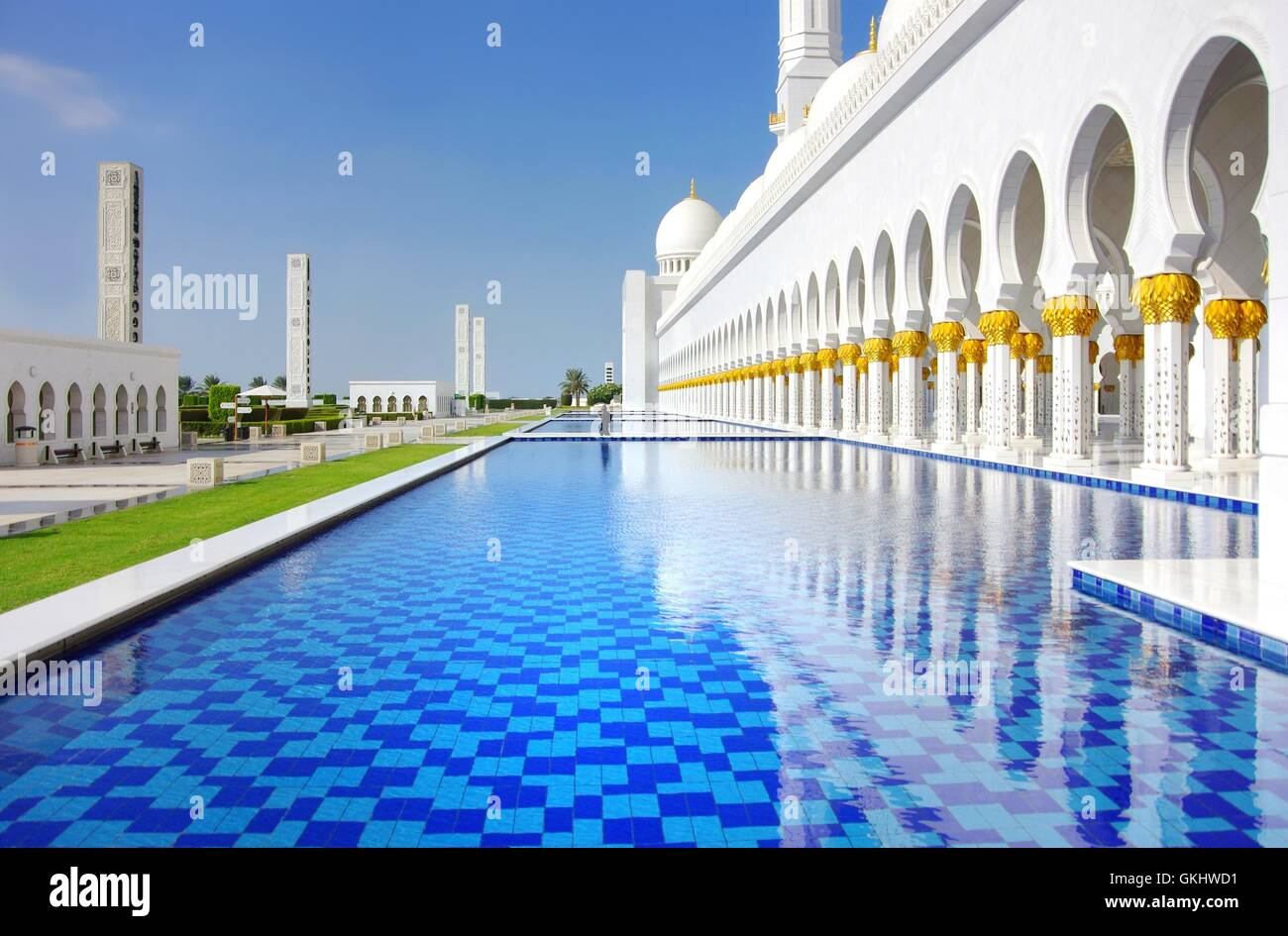 sheikh zahid mosque in abu dhabi Stock Photo