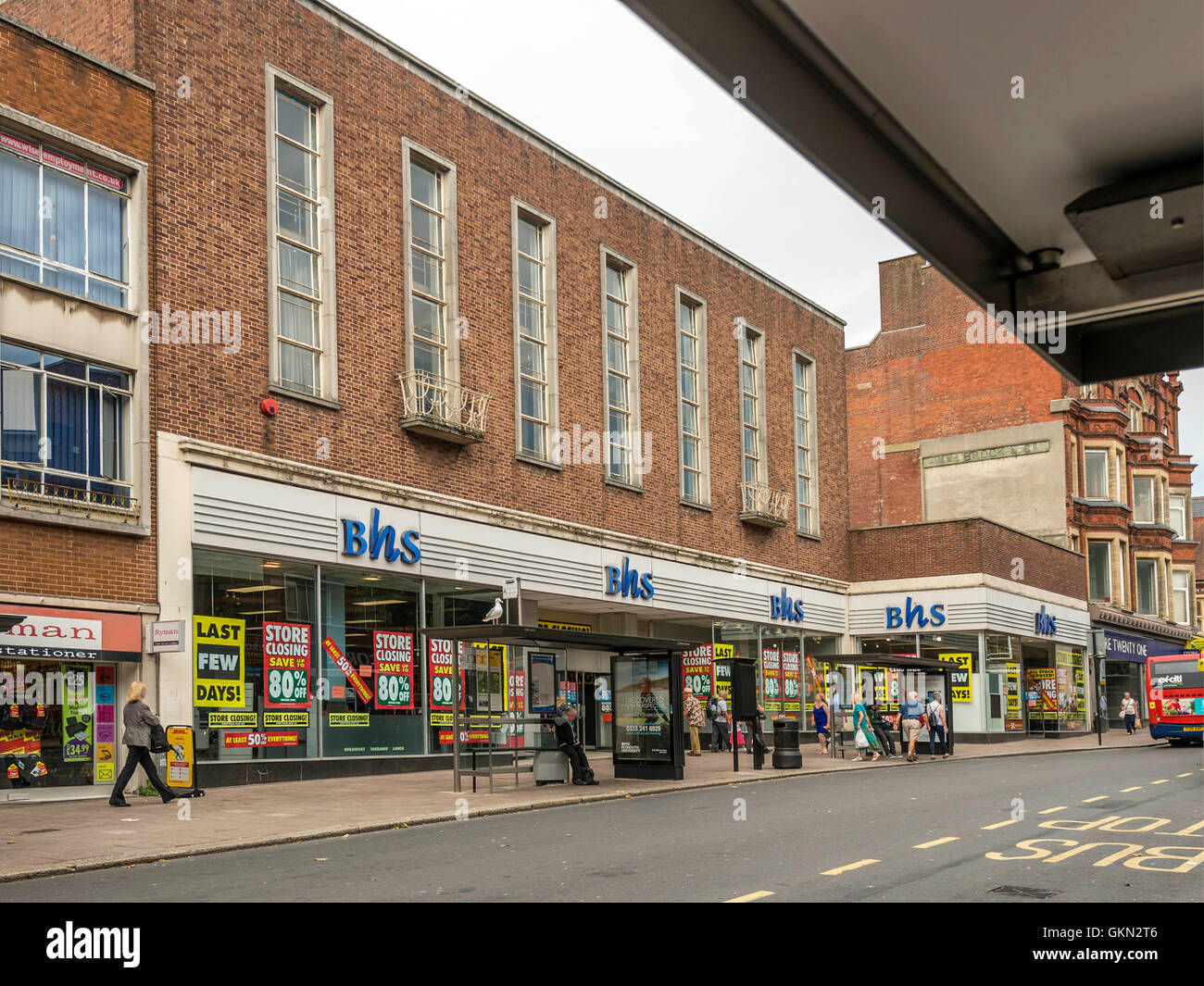 BHS Retail Outlet, Exeter City Centre, Devon Stock Photo: 115403910 ...