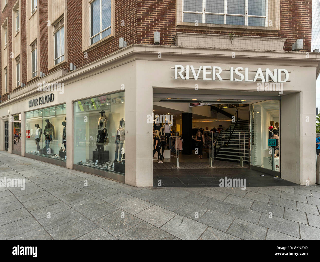 River Island Store Stock Photos & River Island Store Stock Images ...