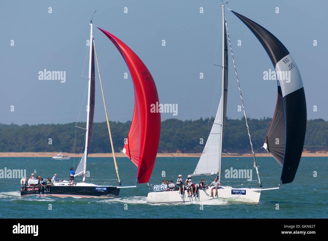 Tonnerre et Breskins Yes  Boat yacht racing Artemis spinnaker run race boat Cowes Week Isle of Wight UK bouy navigation - Stock Image