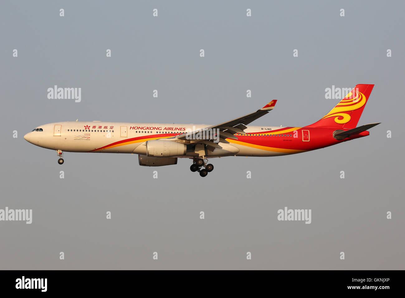 Shanghai, China - May 16, 2016: A Hongkong Airlines Airbus A330-300 with the registration B-LNO landing at Shanghai - Stock Image