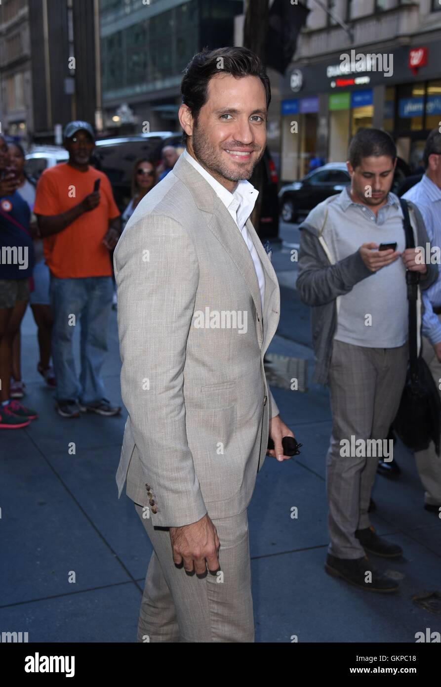 New York, NY, USA. 22nd Aug, 2016. Edgar Ramirez out and about for Celebrity Candids - MON, New York, NY August Stock Photo
