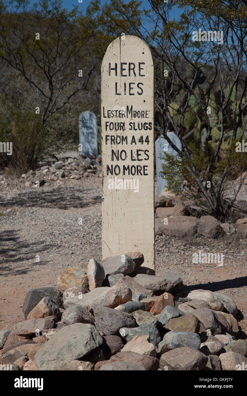 Here lies Lester Moore in Boot Hill Cemetery in Tombstone, Arizona - Stock Image