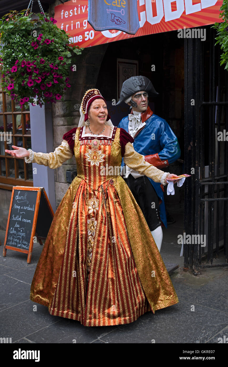 Actress as Mary Queen of Scots promoting her play on the Royal Mile during the Edinburgh Fringe Festival. - Stock Image
