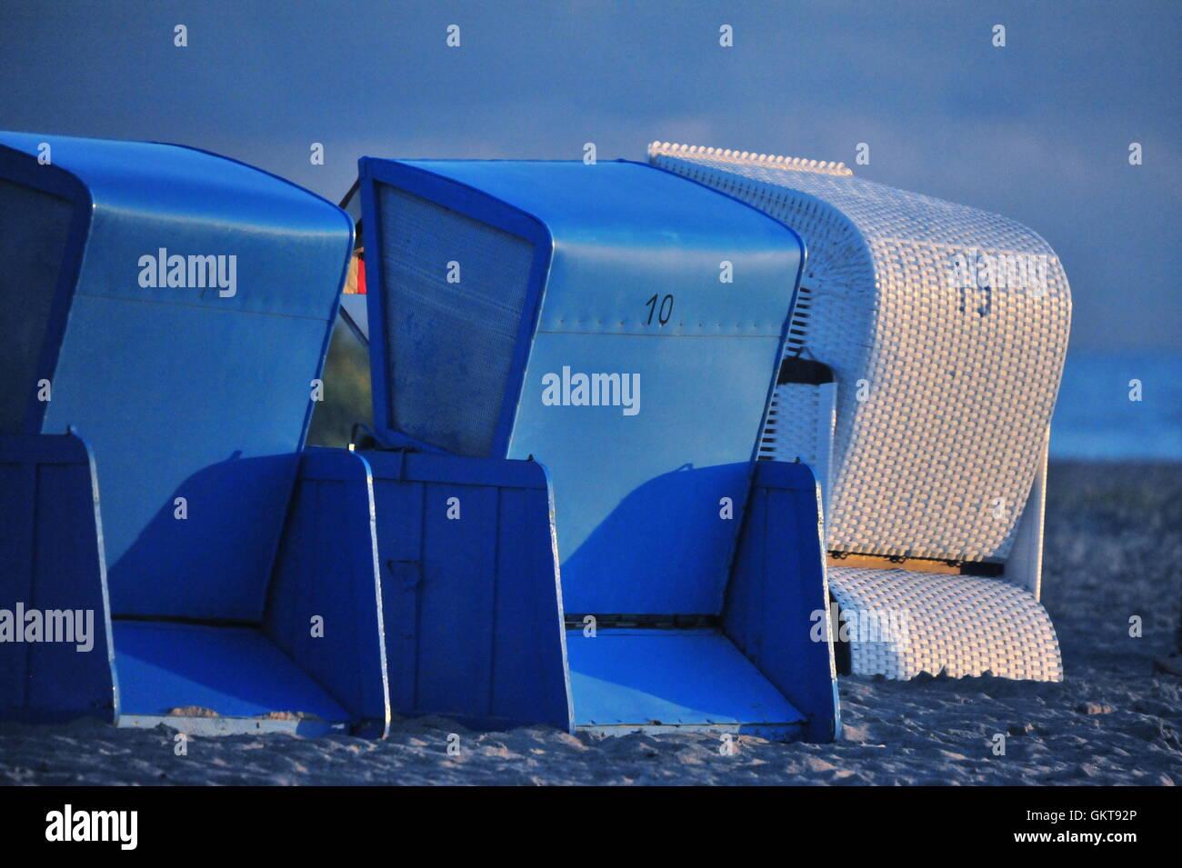 Strandkörbe, Ahrenshoop, Fischland-Darß-Zingst, Mecklenburg-Vorpommern, Deutschland, - Stock Image