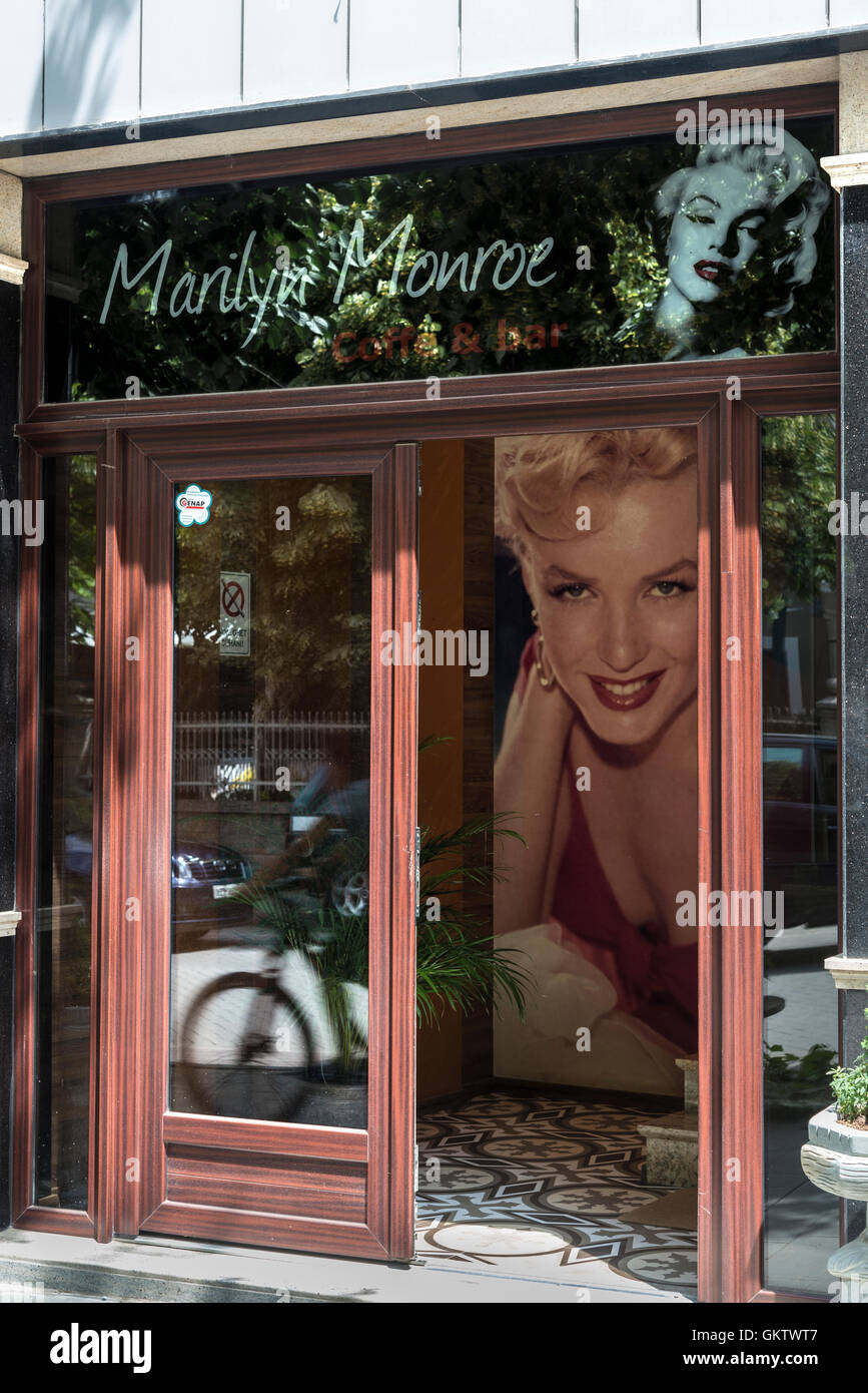 The Marilyn Monroe cafe Bar on Bulevard Republika, Korca, South eastern Albania. - Stock Image