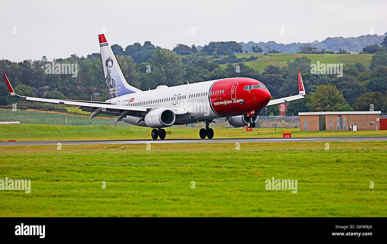Norwegian Airlines. Boeing 737 800 landing at Edinburgh Airport - Stock Image