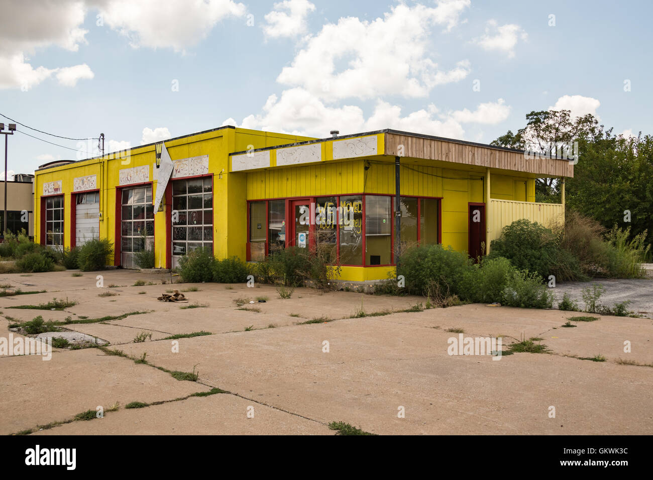 Abandoned Gas Station Sale In High Resolution Stock Photography And Images Alamy
