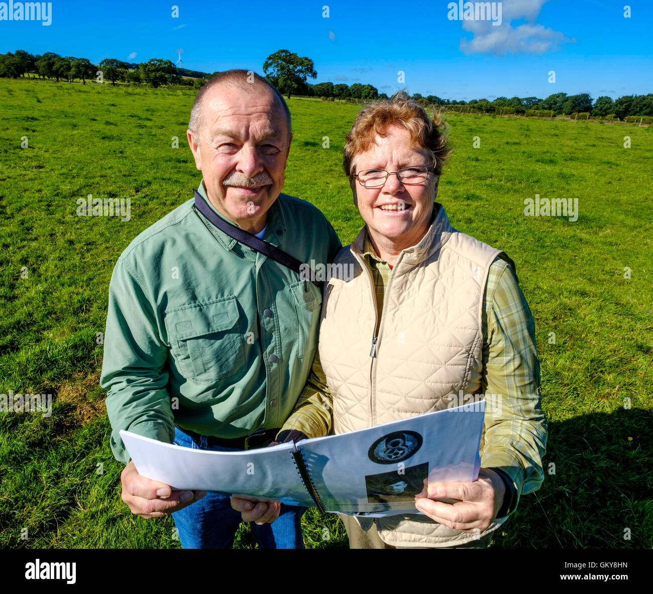 Strathaven, Lanarkshire, Scotland, UK. 24th August, 2016. American couple make 6000 mile trip to Strathaven to trace - Stock Image