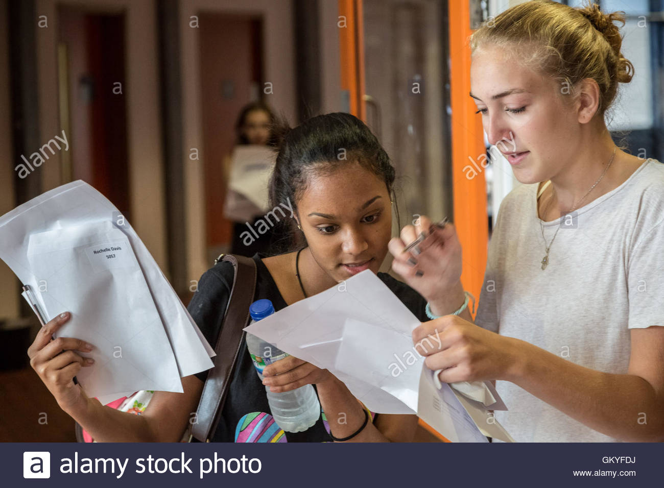 London, UK. 25th August, 2016. Pupils collect their GCSE exam results at Ark Globe Academy in south east London - Stock Image