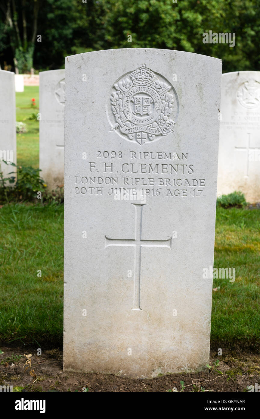 Grave of an underage soldier who died at the age of 17 in 1916.  Many soldiers enlisted underage. - Stock Image