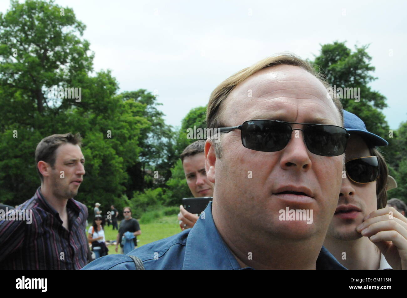 Alex Jones at the Bilderberg protest, in the grounds of the Grove Hotel, Watford, Hertfordshire, UK. - Stock Image