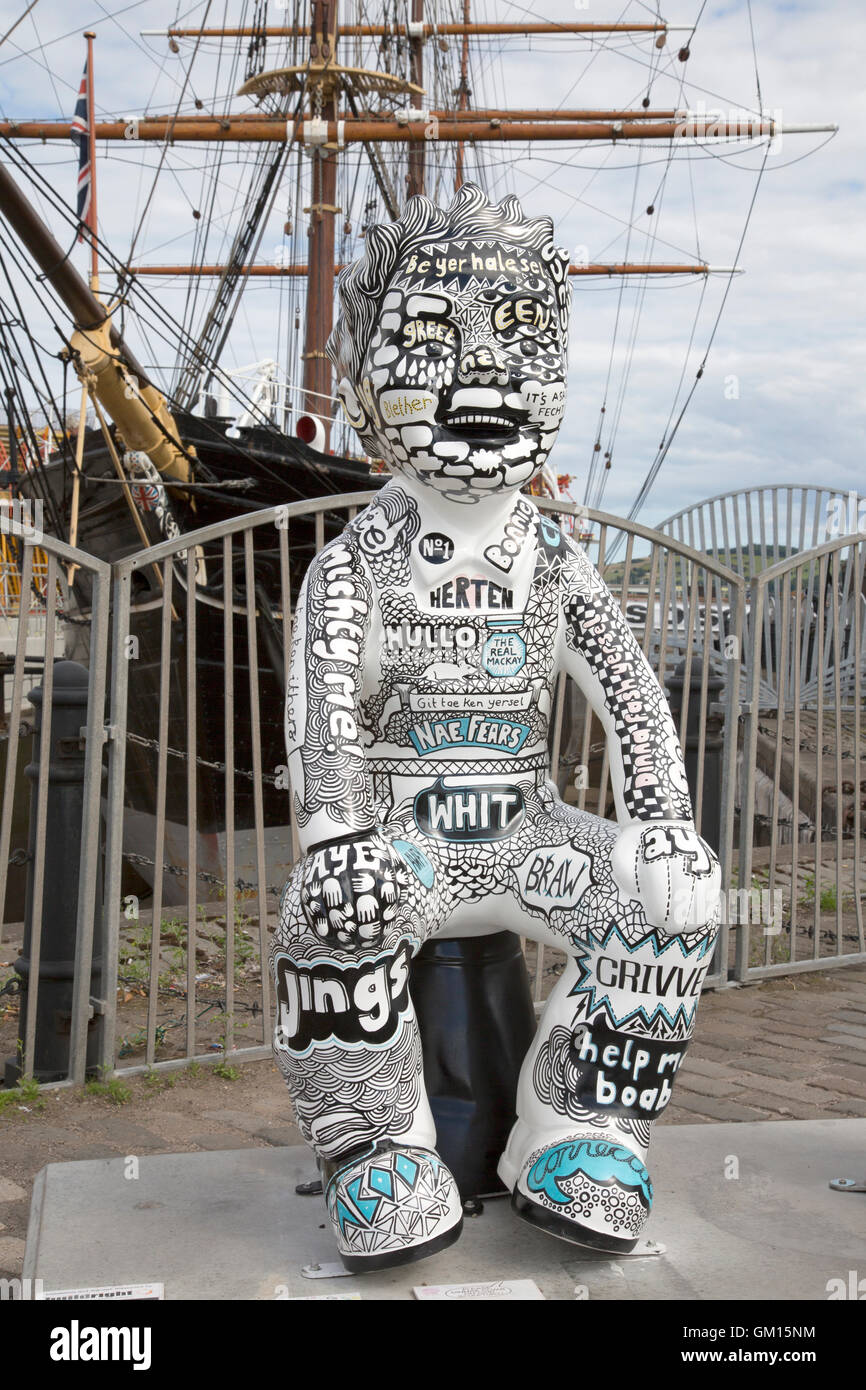 RRS Discovery Ship and Oor Wullies Bucket Trail Comic Character; Dundee; Scotland; UK Stock Photo