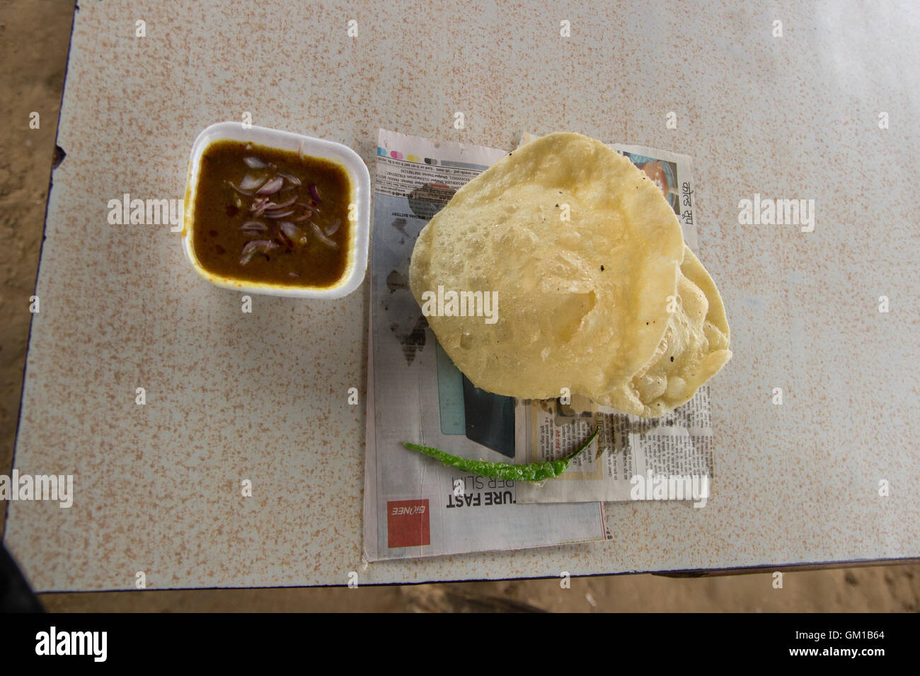 Chole Bahture Bhature Khulcha at a road side eatery in Digh near Bharatpur Rajasthan - Stock Image