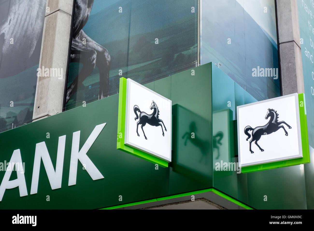 Lloyds Bank exterior sign, Oxford Street, London, UK - Stock Image