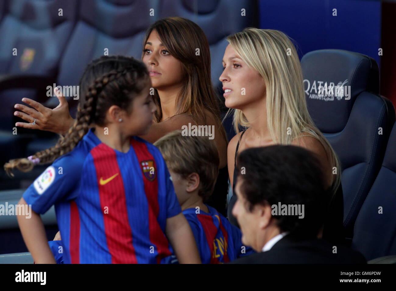 08/20/2016. Camp Nou, Barcelona, Spain. Antonella Roccuzzo Lionel Messi companion and Ms. suarez at Camp Nou - Stock Image