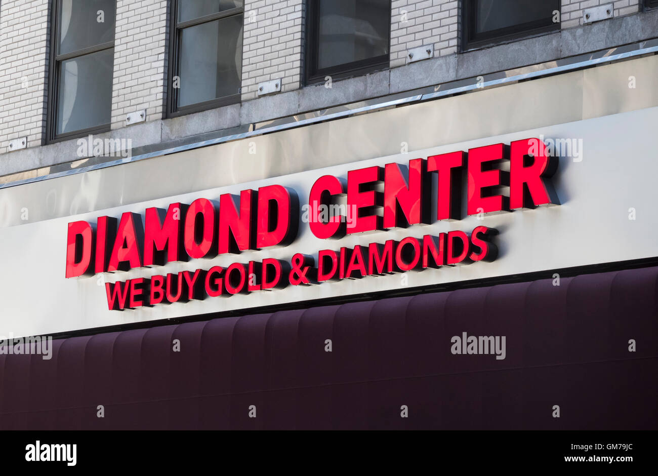 The Diamond Center, a large exchange on 47th Street in Manhattan in New York City in NYC Diamond District Stock Photo