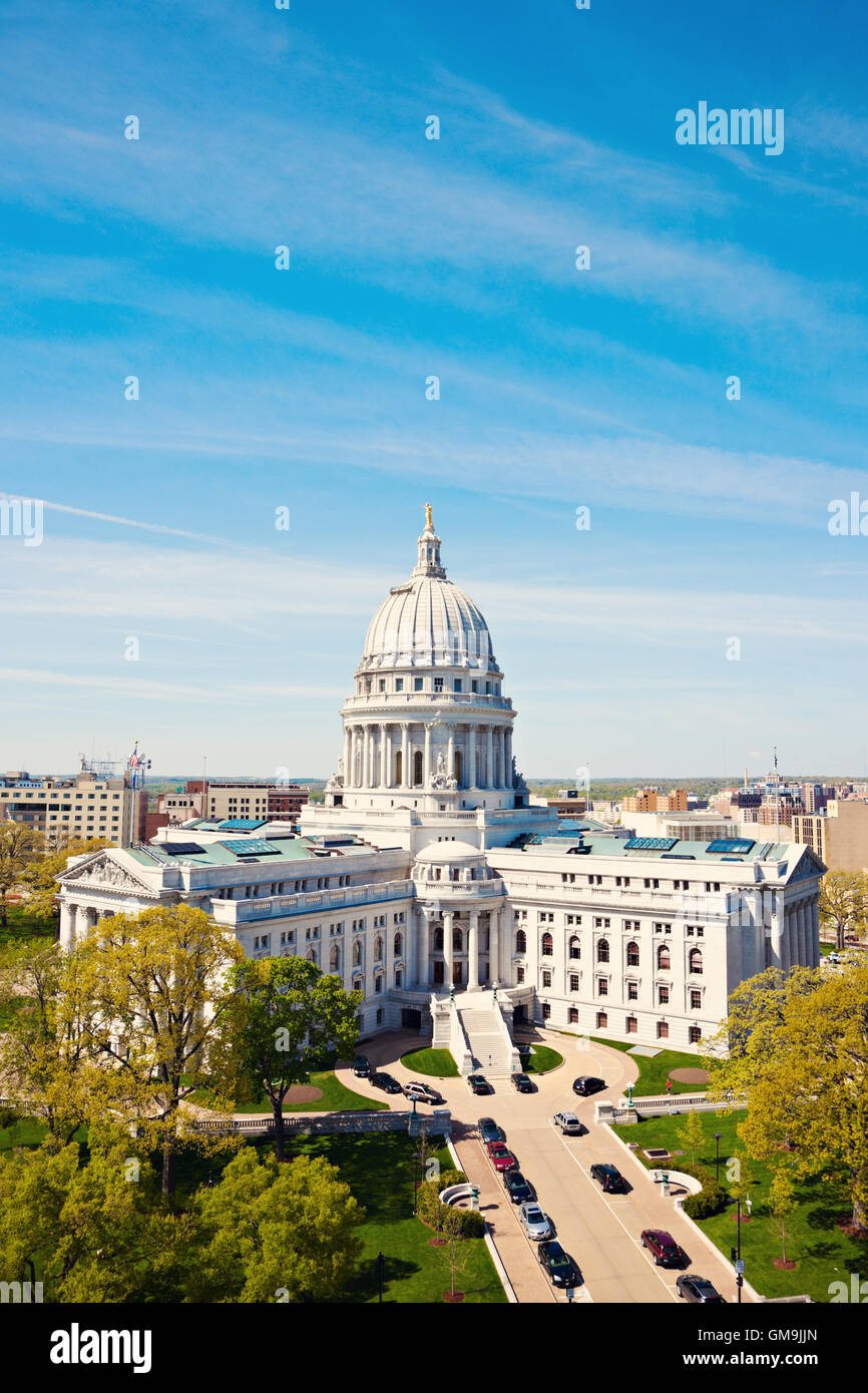 Wisconsin, Madison, Capitol with blue sky - Stock Image