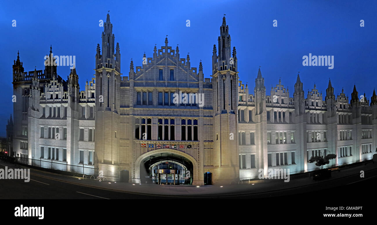 Marischal College at dusk,Aberdeen city centre,Scotland, UK - Headquarters of Aberdeen City Council - Stock Image