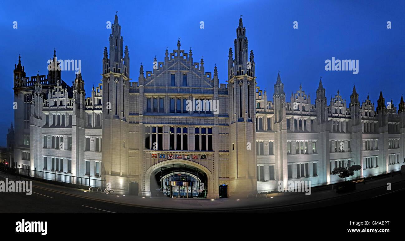 Marischal College at dusk,Aberdeen city centre,Scotland, UK - Headquarters of Aberdeen City Council - Stock Image