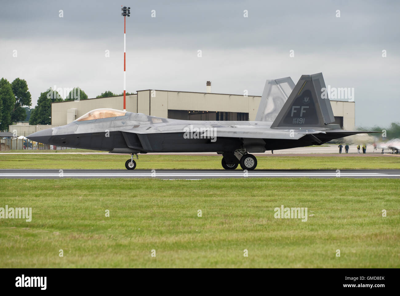 F119 Stock Photos Images Alamy F 22 Raptor Engine Diagram A Lockheed Martin Stealth Fighter Waits On The Runway At Fairford Just