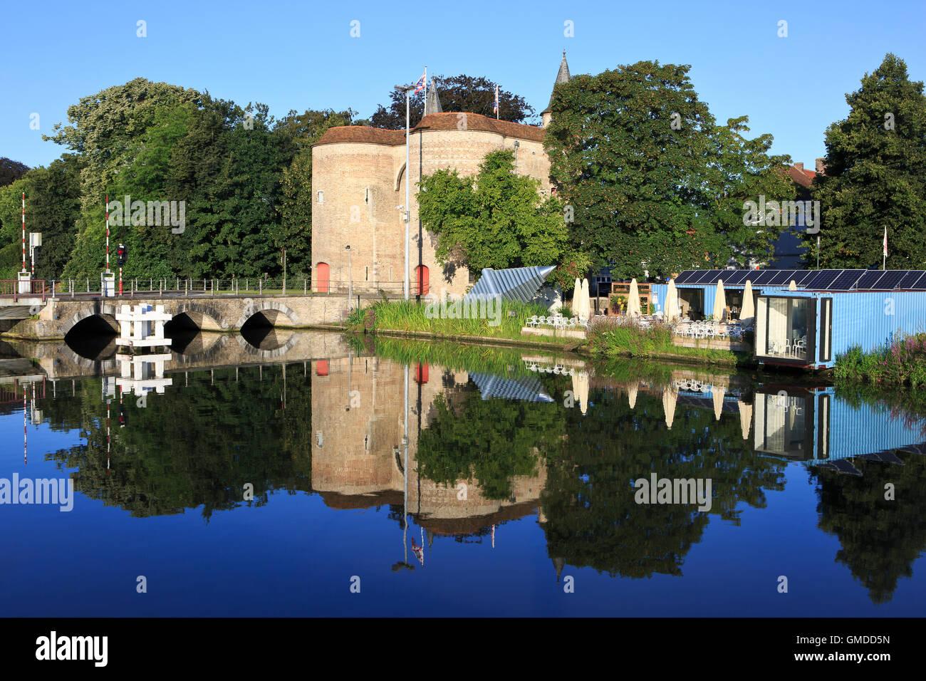The Gate of Ghent - Gentpoort (1400) in Bruges, Belgium Stock Photo