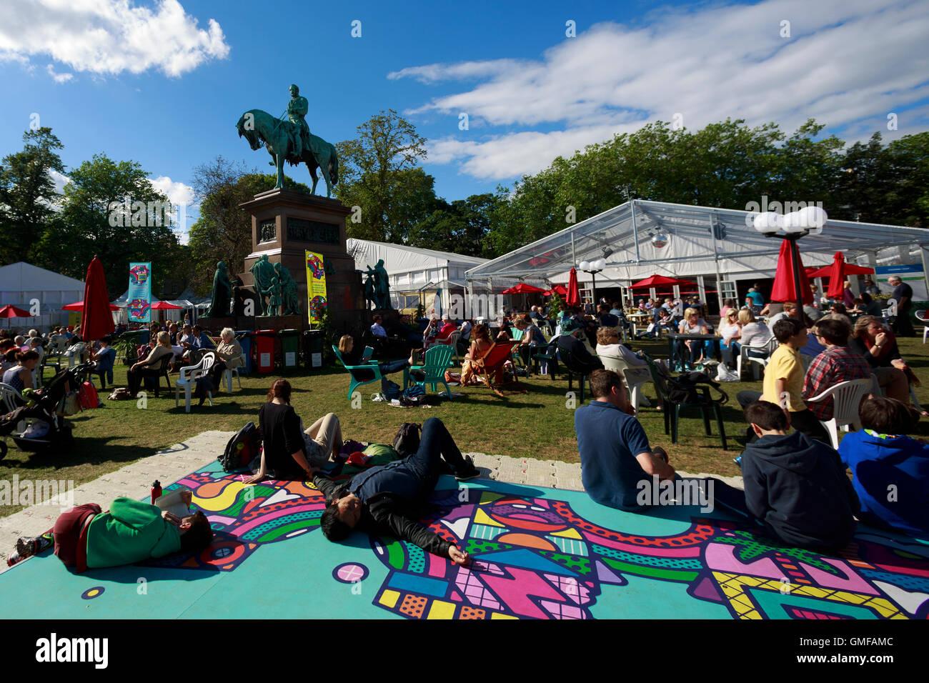 Edinburgh, UK. 26th August 2016. Edinburgh International Book Festival Sunny day in Charlotte Square Gardens. Pako - Stock Image