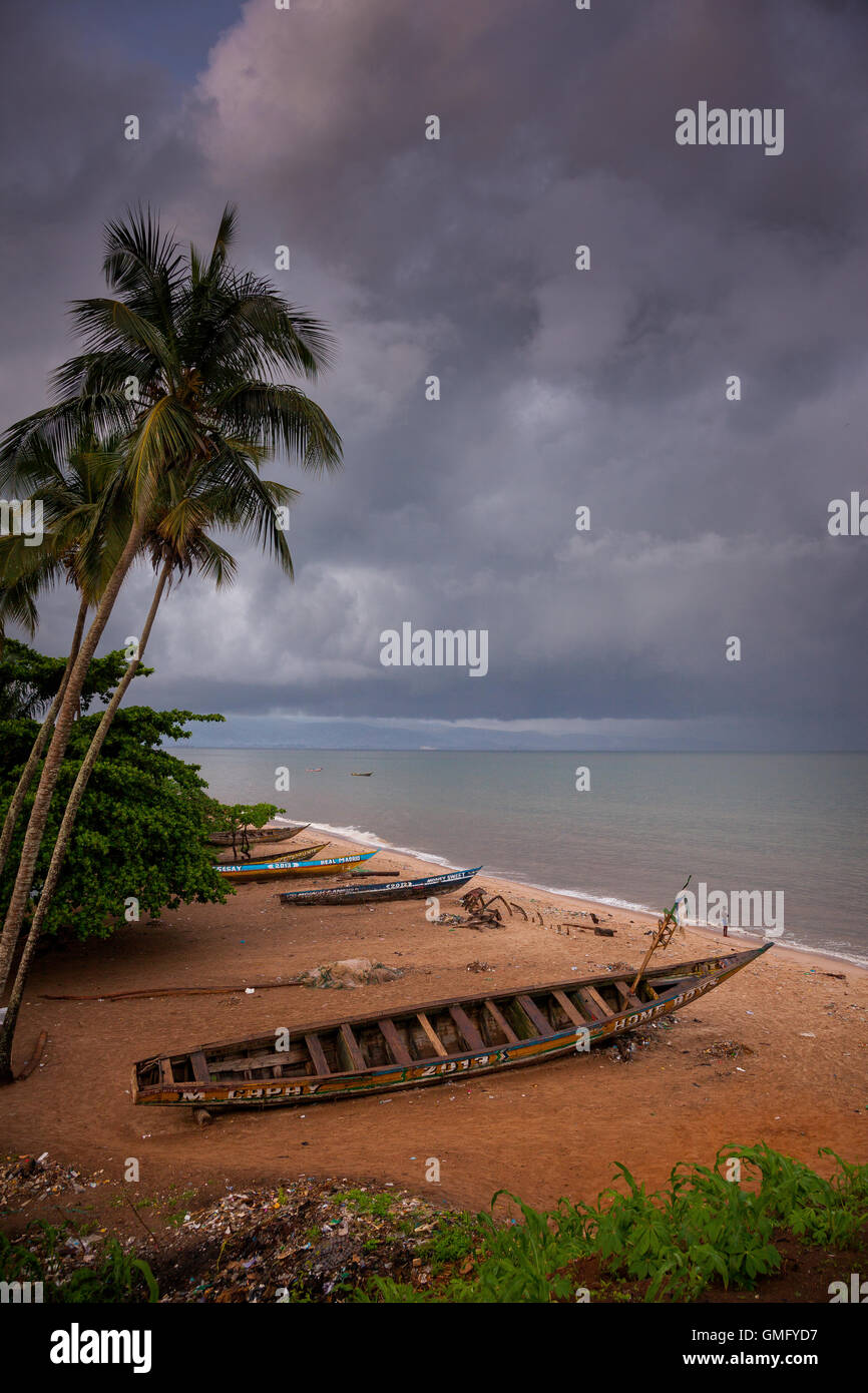 Yongoro, Sierra Leone - June 09, 2013: West Africa, the beaches of Yongoro in front of Freetown - Stock Image