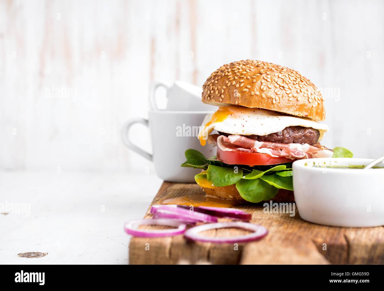 Hamburger Restaurant Stock Photos & Hamburger Restaurant Stock ...