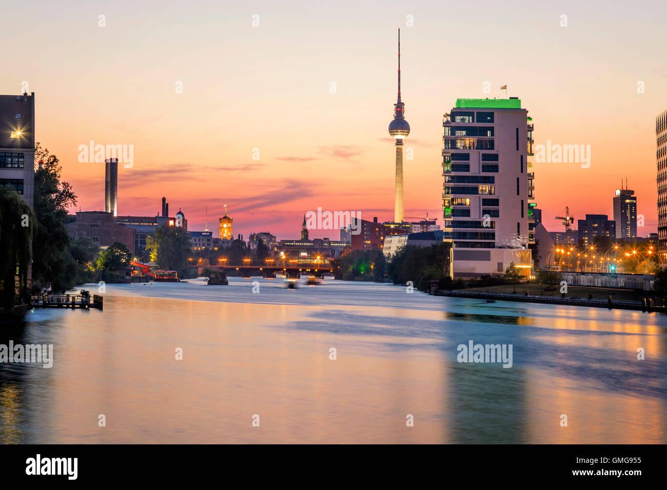 Skyline Berlin, River Spree, Media Spree, Skycraper Living Levels, Mercedes, Berlin Stock Photo