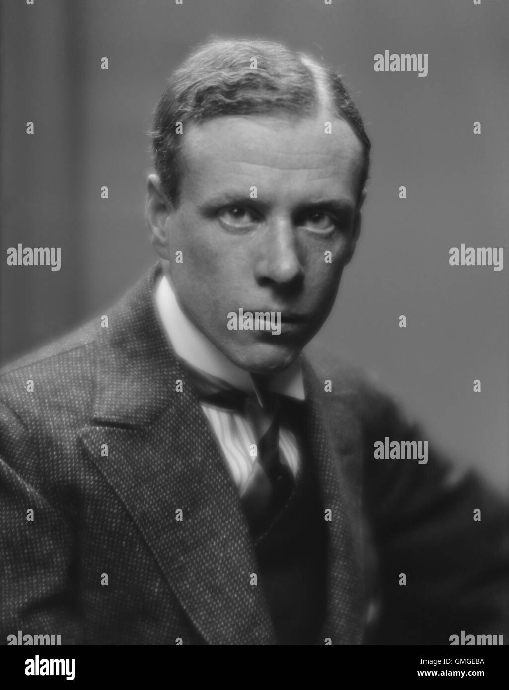 Lewis, Sinclair, whose realist novels of the 1920-30s were critical of American capitalism. Portrait by Arnold Genthe - Stock Image