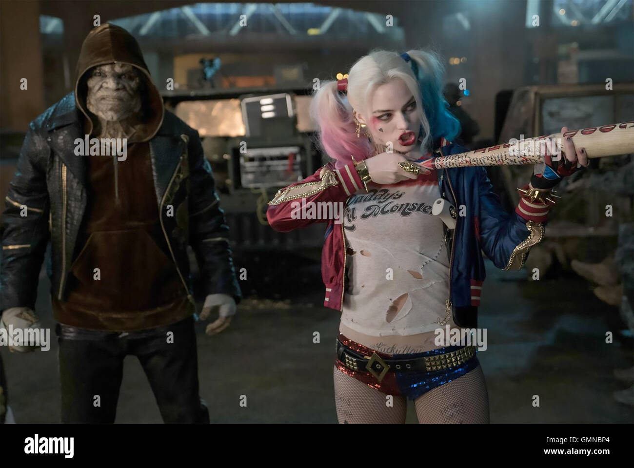 SUICIDE SQUAD 2016 Atlas Entertainment/DC Comics film with Margot Robbie and Adewale Akinnuoye-Agbaje - Stock Image