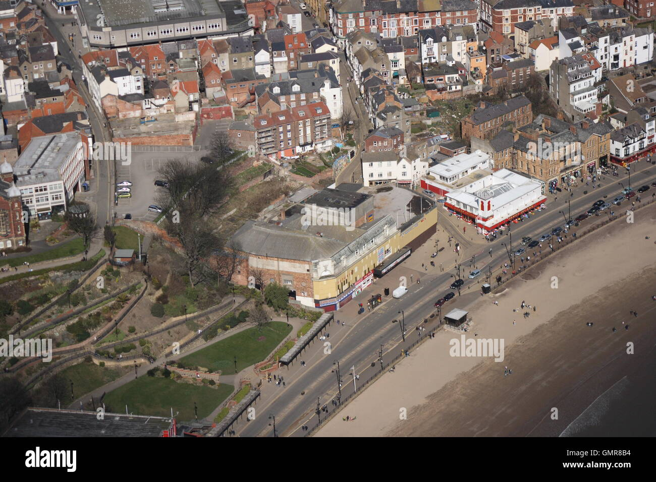 Aerial photo of Scarborough Futurist Theatre and seafront with St Nicholas Cliff Gardens - Stock Image