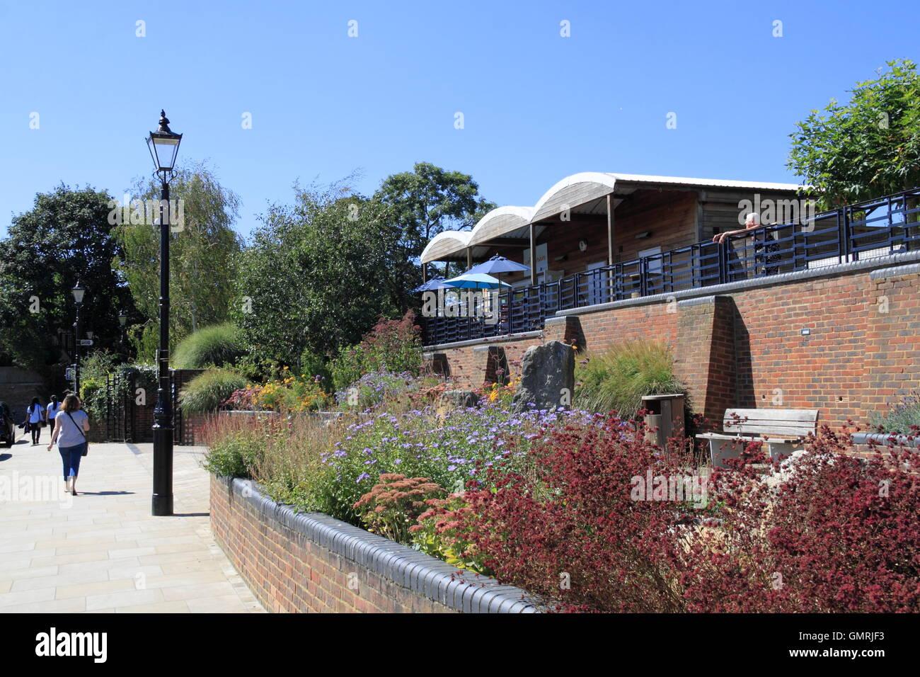 Cafe Sunshine, Diamond Jubilee Gardens, Embankment, Twickenham, Greater London, England, Great Britain, United Kingdom - Stock Image