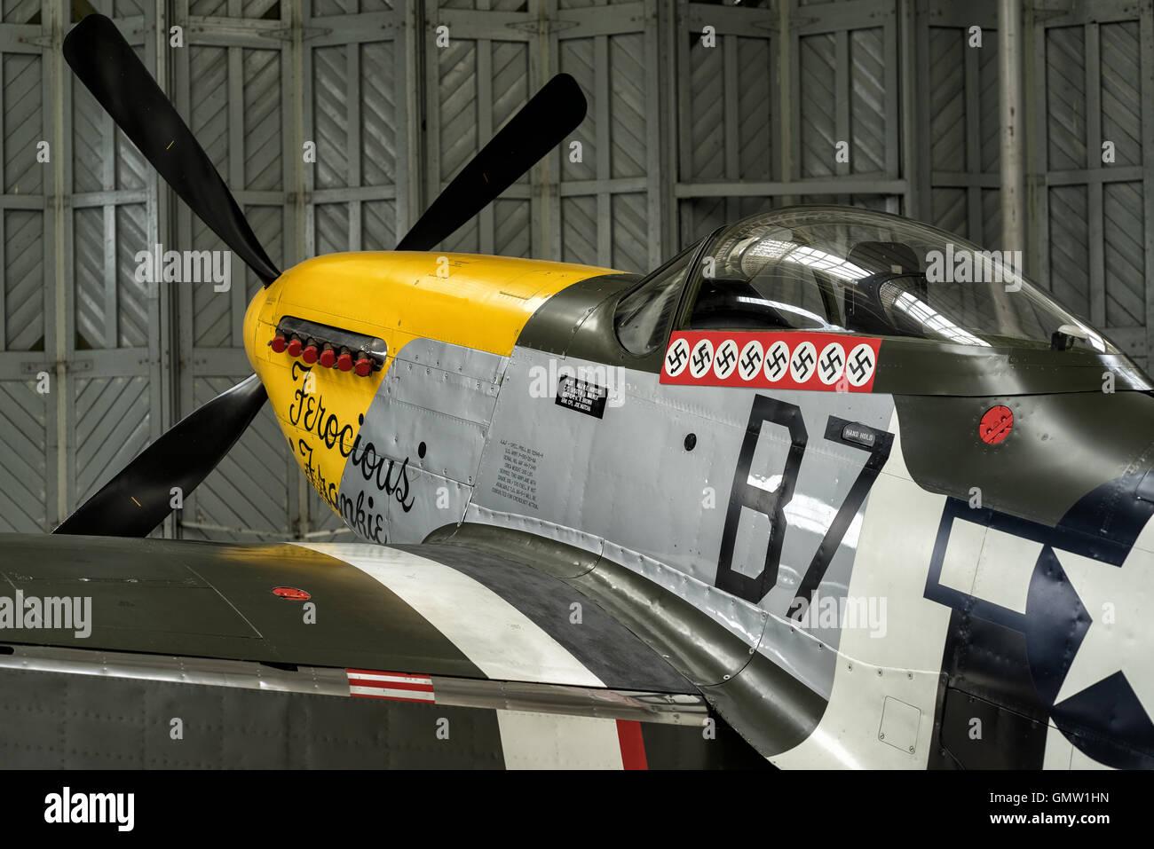 P51 Mustang Ferocious Frankie in hangar Stock Photo