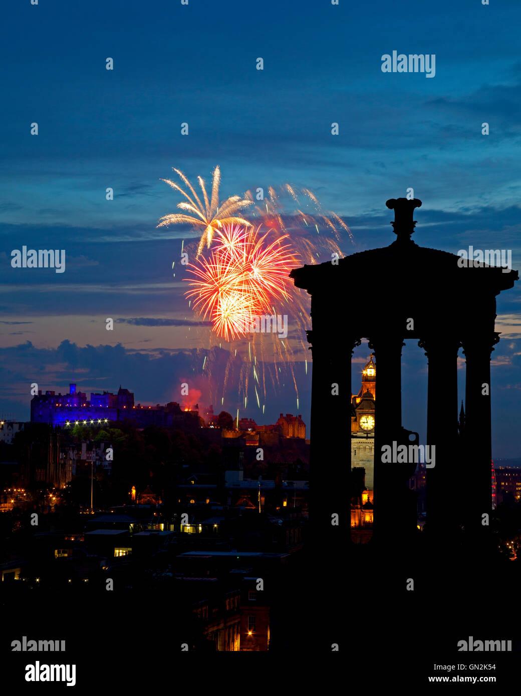 Edinburgh, Scotland, UK. 27th August, 2016. Edinburgh tattoo fireworks, last early evening Saturday performance - Stock Image
