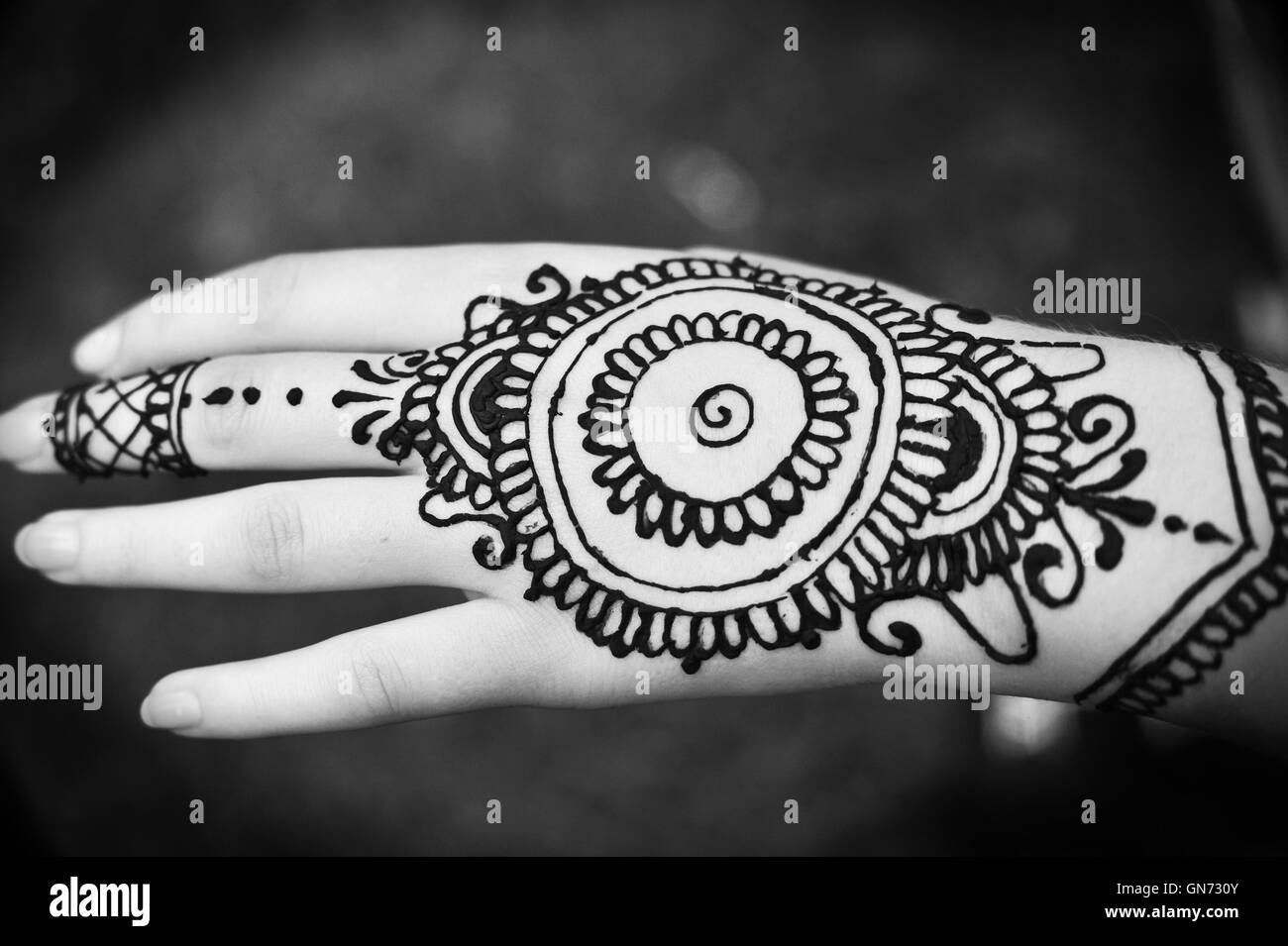 Henna Tattoo Black And White Stock Photos Images Alamy