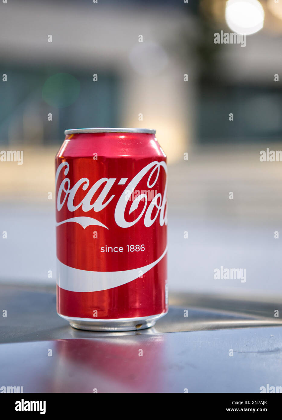 Discarded coke can - Stock Image
