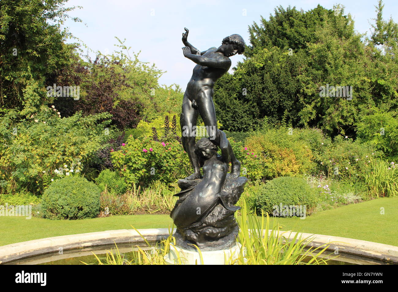 Hylas and the Nymph statue by Henry Pengram in St. John's Lodge Gardens (secret garden) in Regent's Park - Stock Image